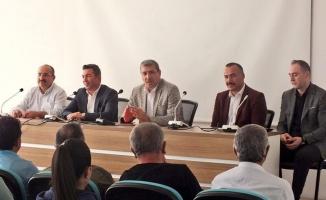 Müdür Erdoğan Tunç, antrenörlerle toplantı yaptı