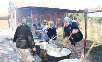 Mustafakemalpaşa'da kazanlar kardeşlik için kaynadı