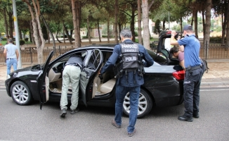 """Narkotik polisinden """"Huzurlu Okul"""" uygulaması"""