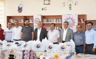 Nusaybin Ticaret Borsası'ndan ihtiyaç sahibi öğrencilere eğitim yardımı