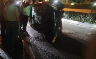 Otomobil taklalar atarak karşı yola geçti 1 yaralı