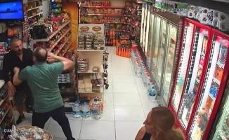 (Özel) Beyoğlu'nda marketten para çalan hırsız sert kayaya çarptı