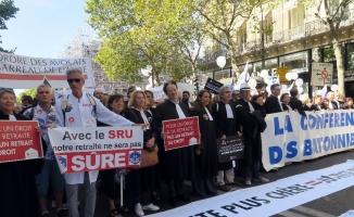 Paris'te emeklilik reformuna karşı yürüyüş