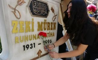 Sanat güneşi ölümünün 23. yılında mezarı başında anıldı