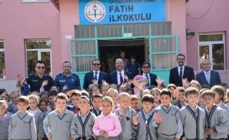 Şuhut'ta İlköğtetim Haftası törenle kutlandı