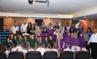 Tarsus TSO'dan 800 öğrenciye kırtasiye hediyesi