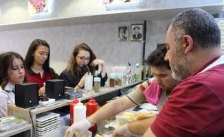 Uşak'ta üniversite öğrencileri için 'askıda menü' uygulaması