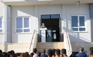 """Vali Şıldak'tan öğrencilere: """"Derslerin yanı sıra devletine faydalı vatandaşlar olun"""""""