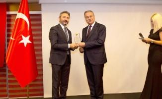 Vali Su'ya, Gümüş Kariyer Ödülleri 'Bürokrat' kategorisinde ödüle layık görüldü