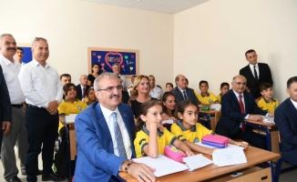 Yeni eğitim öğretim yılı için tören düzenlendi