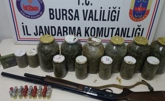 28 kilo esrarla yakalanan şahıslara 8 yıl 4 ay ceza verildi