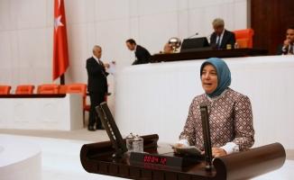 """AK Parti Bursa Milletvekili Gözgeç: """"Tohumdan hasada tarımsal üretimin her aşamasında, kadın çiftçilerimizin alın teri var"""""""