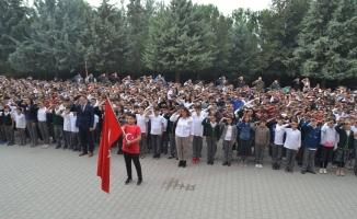 Öğrencilerden Barış Pınarı Harekatı'na destek