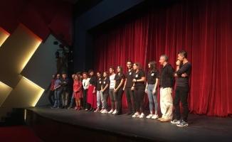 'Haydi gençler tiyatroya'