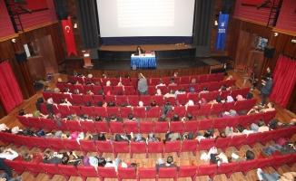 """Prof. Şahin: """"Edebiyat yapmak, sözü kısaltmaktır"""""""