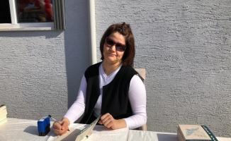 Serebral palsi hastası genç kız yaşadıklarını şiir kitabında topladı