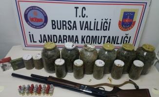 Uyuşturucu tacirlerine 16 yıl hapis