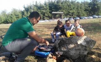 Bursalılar pastırma sıcaklarının tadını çıkardı