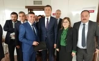 Mesut Bedel Eğitim ve Yerel Yönetimler Çalıştayına katıldı