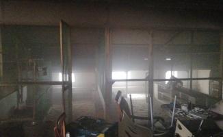 Süs tavukları ve güvercinlerin bulunduğu çatı katında yangın paniği
