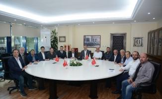 Yeni Başkan Ülker'den Karacabey Belediyespor'a ziyaret
