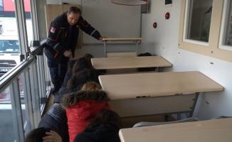 Bursa'da öğrenciler 7.4 ile sallandı