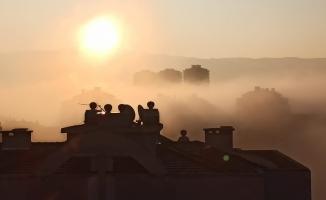 Bursa'daki yoğun sis hayatı olumsuz etkilemeye devam ediyor