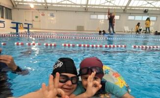 BUÜ'lü öğrenciler engelli arkadaşları için 'Dalmak Özgürlüktür' diyecek