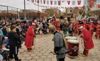 Mehterden Suriye'de ki yetimlere unutulmaz konser