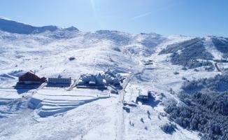 Uludağ'da kar kalınlığı 30 santimetreye ulaştı