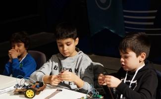 """Yetenekli çocuklar, """"Bu İşte Bilim Var"""" etkinliğinde buluştu"""