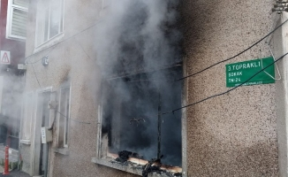 Satılığa çıkarılan müstakil ev alev alev yandı