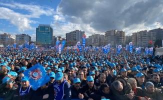 Türk Metal Sendikası Bursa Mitingi'nde binlerce işçi buluştu