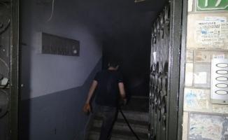 5 katlı binada korkutan yangın