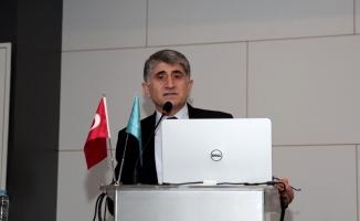 """Alyılmaz: """"Türkler Türklere ilgisiz"""""""
