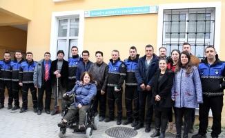 Engelliler, zabıta ekipleriyle birlikte kaldırım işgâli denetimi yaptı