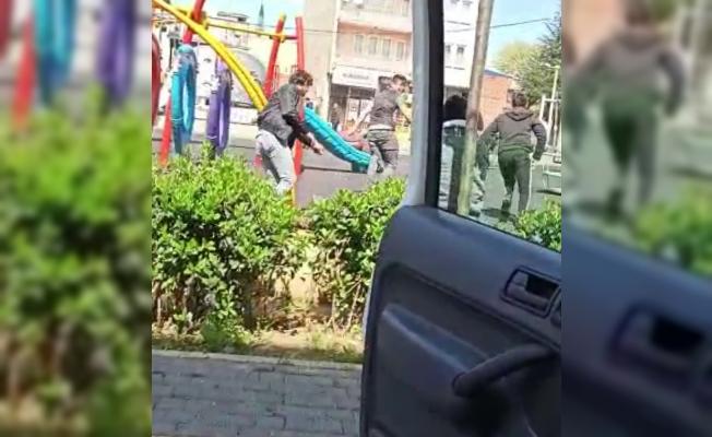 Bursa'da 20 yaş altı gençlerin zabıtadan kaçış anı kameraya böyle yansıdı
