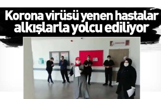 Bursa'da korona virüsü yenen hastalar alkışlarla yolcu ediliyor