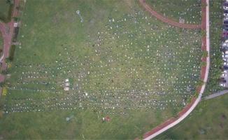 Bursa'nın en büyük kent parkında cuma namazında insan seli