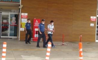 Okulla giren iki şüpheli kıskıvrak yakalandı