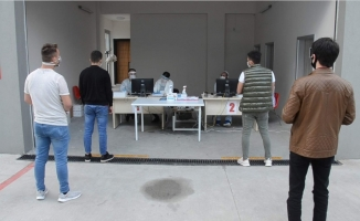 Bursa'da asker adaylarına korona virüs testi