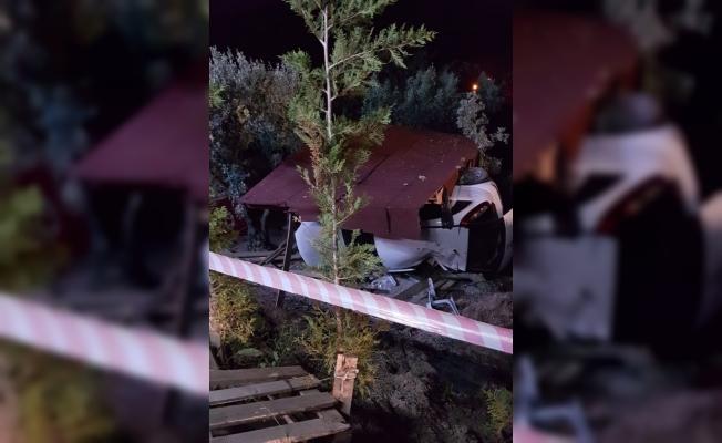 Bursa'da hobi bahçesine dalan aracın sürücüsü hayatını kaybetti