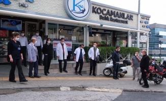 Bursa'da sağlık çalışanlarına balık ikramı