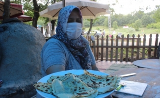 Köylü kadınlar ormanların içine kurdukları çadırla patron oldu