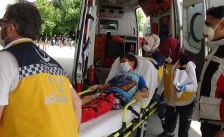Otomobilin çarptığı çocuk yaralandı
