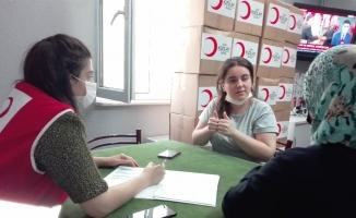 Türk Kızılay ihtiyaç sahibi ailelere yardım elini uzattı