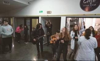 YKS'ye girecek öğrencilere özel şarkı