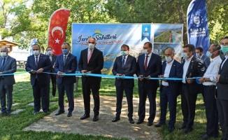 Bakan Ersoy, 19 milyon TL'ye düzenlenen İznik sahil şeridinin açılışını gerçekleştirdi