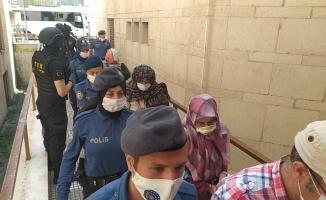 Bursa'da FETÖ'nün 'Gaybubet Evleri'ne yapılan operasyonda gözaltına alınan eski daire başkanı ve 14 kişi adliyeye sevk edildi
