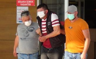 Bursa'da kamyonet çaldı, adliyeye sevk edilirken maskeyle gözünü kapattı
